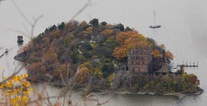 Pollepel Island as seen from the east side of the river (photo courtesy of Flickr/Dano Izumi)