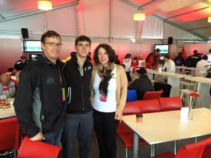 Colin Thompson with his father and mother pre-race.