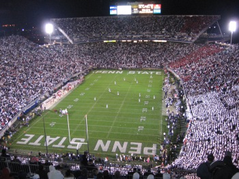 Football_court_Psu-vs-ohio-st-102707-003